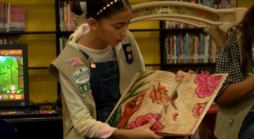 girl scout reading for children