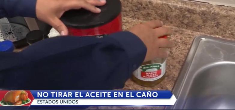 Tirar aceite en el fregadero es malo