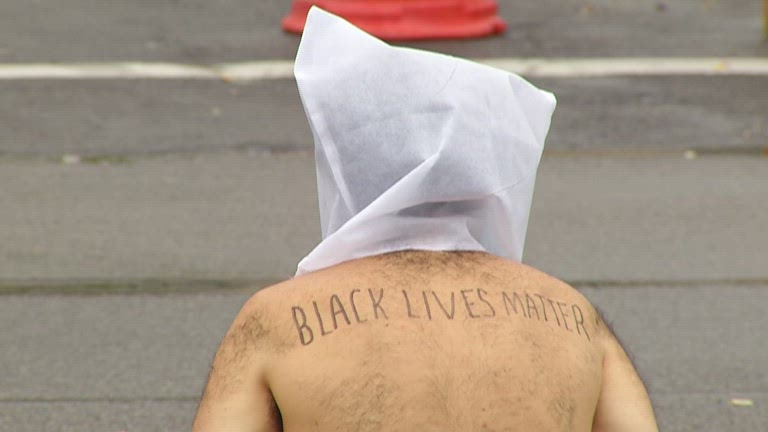 nakedprotest1