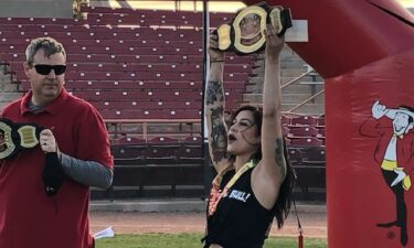 """Alyssa Iverson claims the """"Bull of the Desert award"""" in the women's division"""