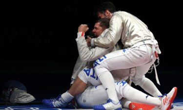 Italy's wild celebration in team sabre semifinals