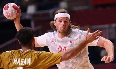 Denmark handles Bahrain in Group B play
