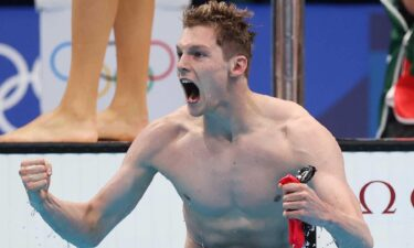 Great Britain wins the 4x200m freestyle relay