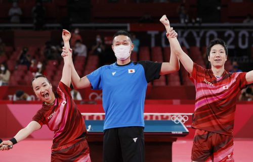 Japan celebrates its mixed doubles win