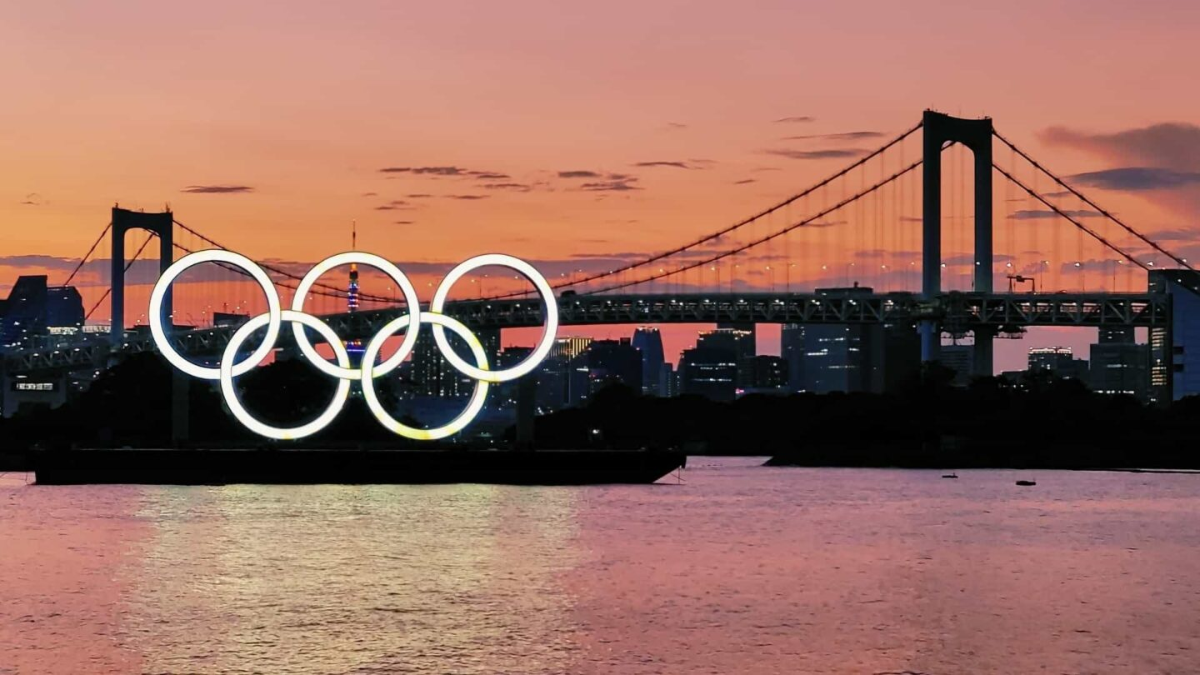 Tokyo sunset Olympic rings thumb