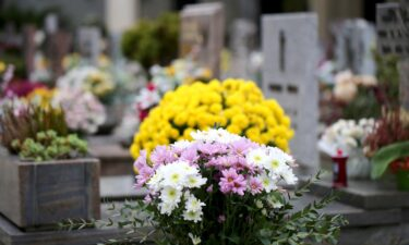 Less than 40% of Americans are now being traditionally buried.